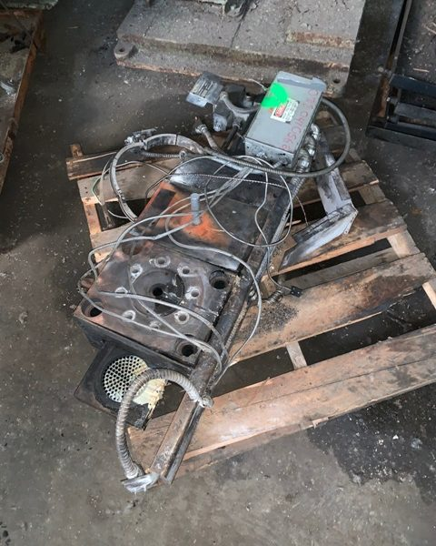 4.5″ Beringer Hydraulic Screen Changer.  No hydraulic pump included.