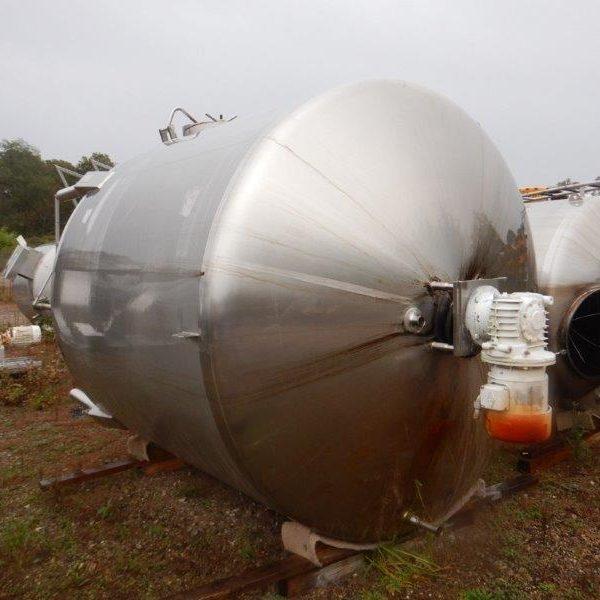 1,700 Gallon Stainless Steel Mix Tank