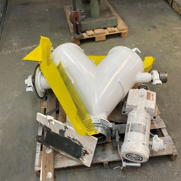.5 Cubic Foot (16 Liter) Jaygo Stainless Steel V-Blender