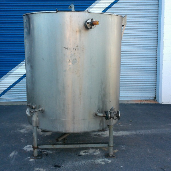 """575 Gallon Stainless Steel Vertical Tank, 4'9″ Dia. X 4'10"""" Straight Side,"""
