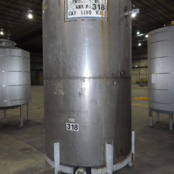 1,000 Gallon Stainless Steel Vertical Tank 4'8″ Dia. X 8′ Straight Side