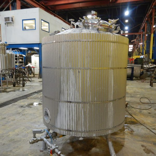 600 Gallon Stainless Steel Tank 5′ Dia. X 4'7″ Straight Side