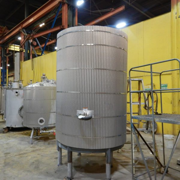 1,200 Gallon Stainless Steel Tank 7'8″ Dia. X 5'7″ Straight Side