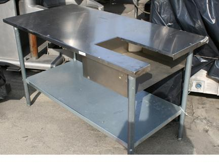 60″ x 30″ Stainless Steel Accumulation Table