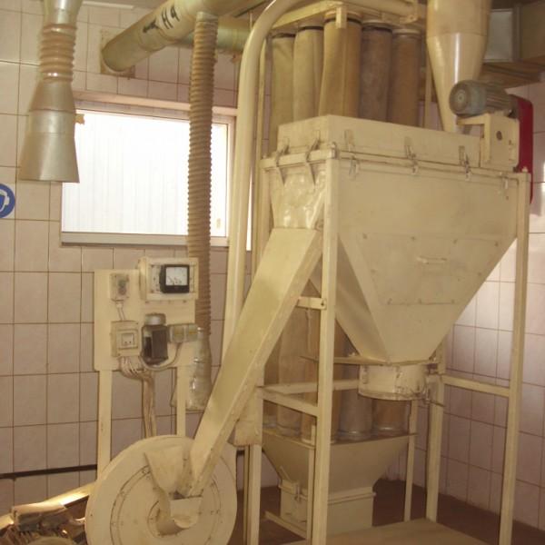 120 KG per Hour Mill for Herbal or Grain Processing