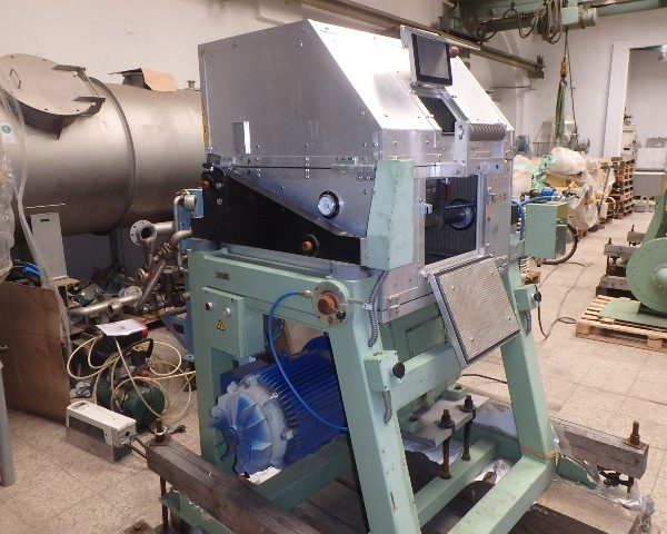 8″ Scheer & Cie (Maag) Type SGS200 Pelletizer and WAS200 Air Knife