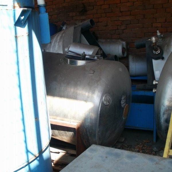 1,000 Litre Stainless Steel Horizontal Tank