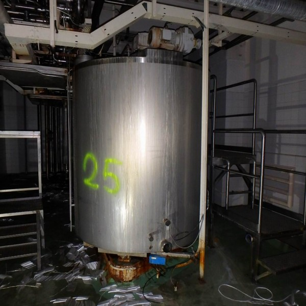3500 Litres Stainless Steel Jacketed Vertical Tank