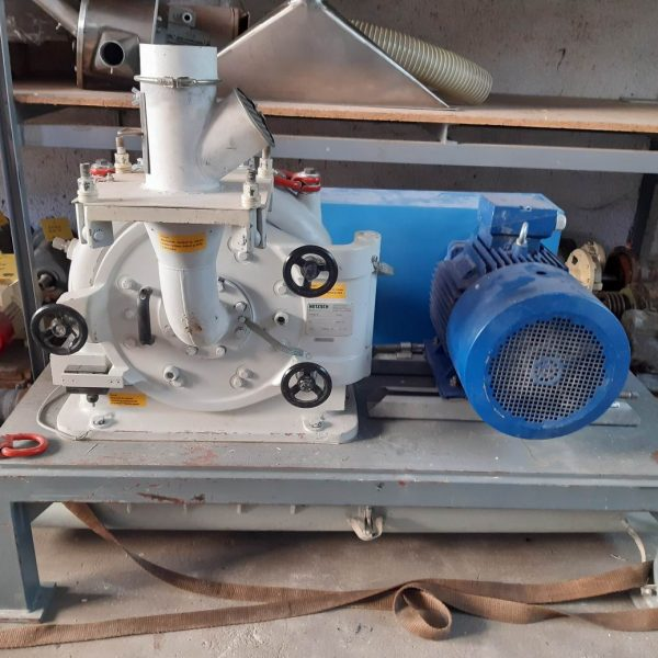 Netzsch-Condux CUM 300 fine impact mill