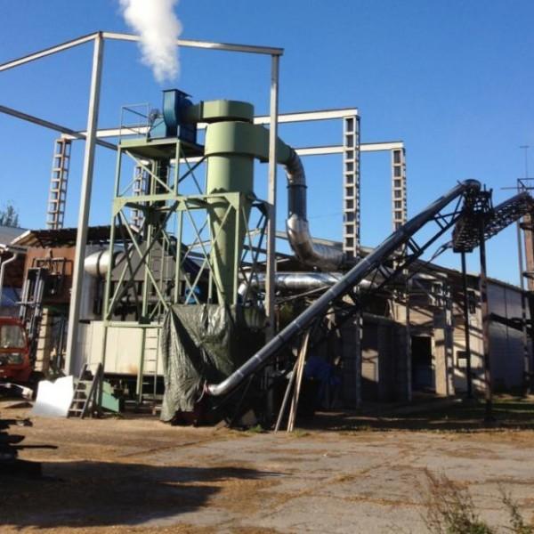 Average 1000 Kg/Hr Wooden Sawdust Briquette Plant