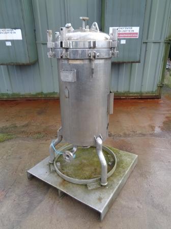 2.6 Sq. M., 65 Litre, William Boulton Horizontal Leaf, Vertical Tank Pressure Leaf Filter