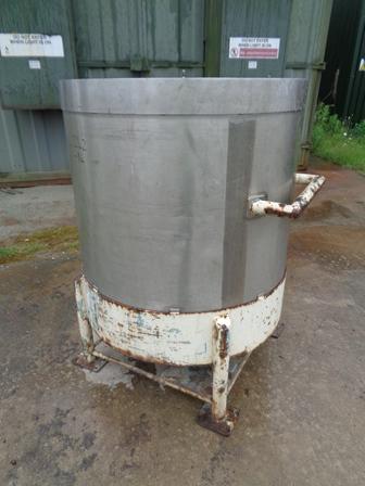 700 Litre Giusti Stainless Steel Vertical Vessel, 980mm Dia x 950mm Straight Side