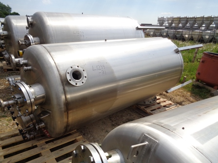 2,500 Litre Giusti Stainless Steel Vertical Mixing Vessel, 1100mm Dia x 2400mm Straight Side