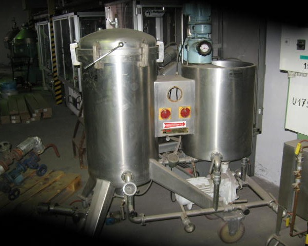 4 Sq. M., 8000 Litre, Montanaro Vertical Leaf, Vertical Tank Pressure Leaf Filter