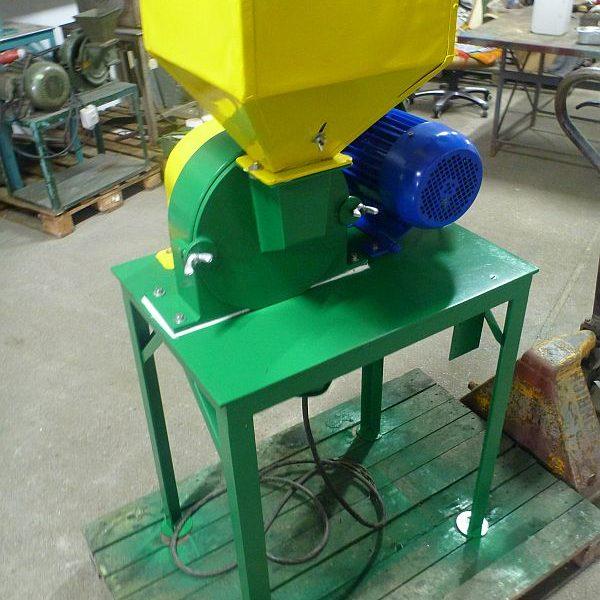 3 kW MLYNPOL Carbon Steel Turbo Mill