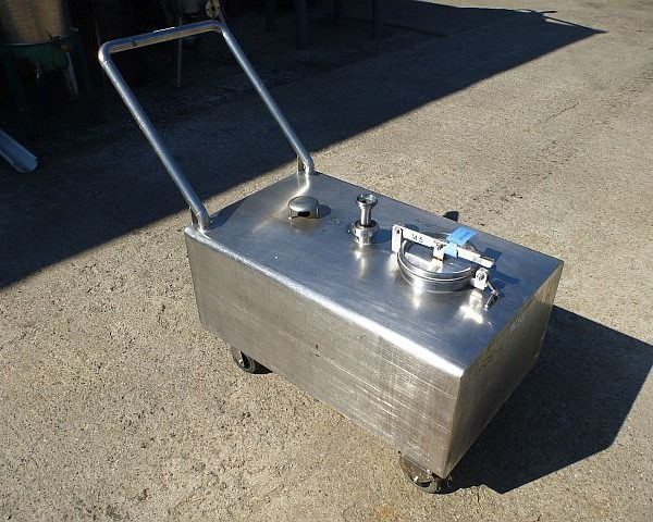 240 Liter Stainless Steel Mobile Storage Tank 600mm x 1000mm x 400mm