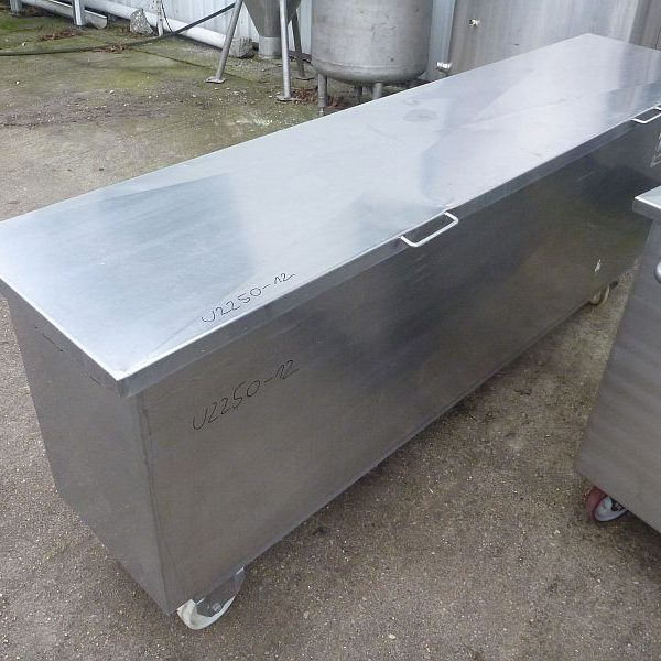 700 Liter Second Hand Mobile Rectangular Stainless Steel Storage Tank 450mm Wide x 1205mm Long x 700mm Deep