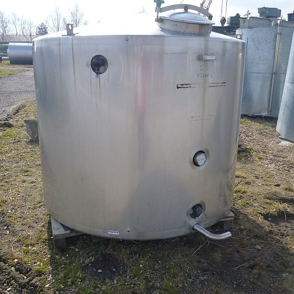3900 l vertical storage stainless steel tank with insulated walls and coil