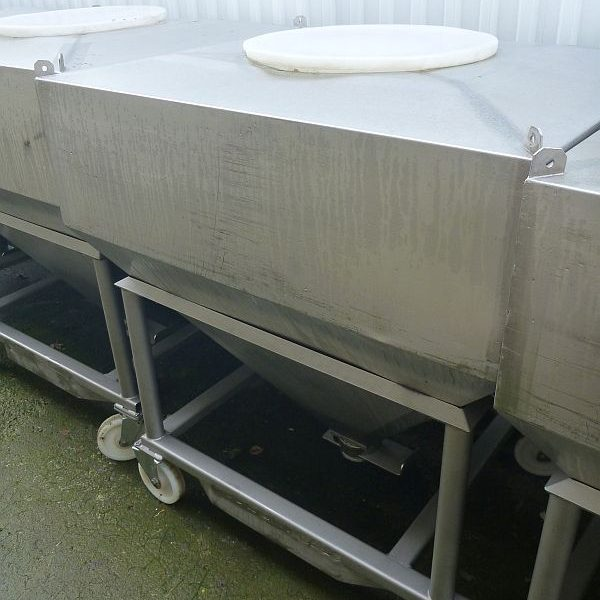 900 l Vertical Stainless Steel Mobile Container for Powders With Conical Bottom
