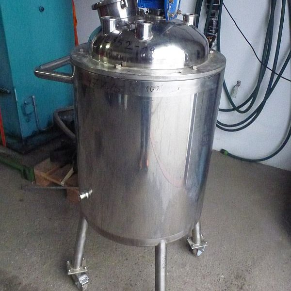 100 L Vertical Stainless Steel Mixing Tank With Insulated Walls Anchor Agitator