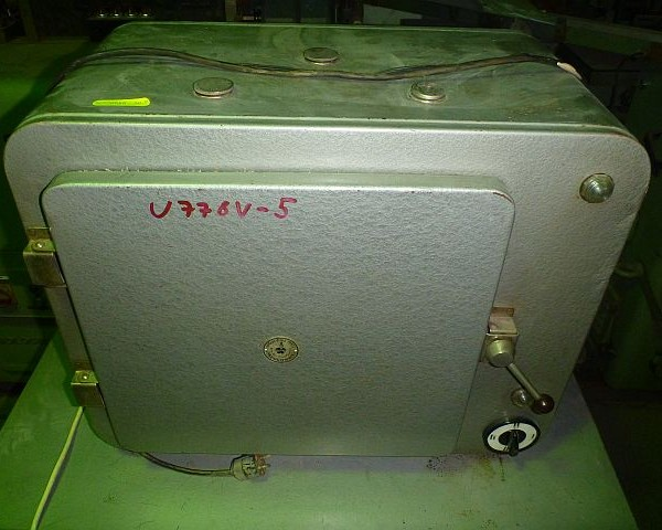 0.04 Cu. Meter, 1 Tray, 16″ X 15″ Tray Dryer
