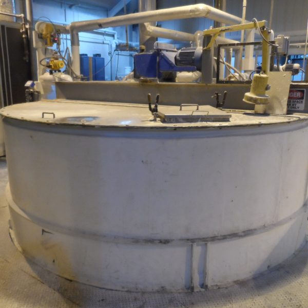5,800 Gallon Stainless Steel Tank, 10'6″ Dia. X 9′ Straight Side