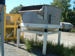 200 Cubic Foot Carman Industries Stainless Steel Vibrating Hopper