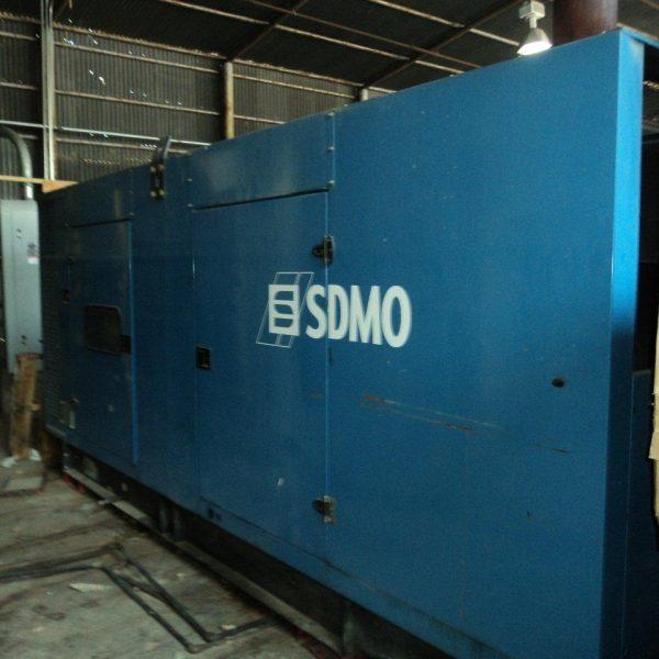 484 kW 480 V SDMO Generator