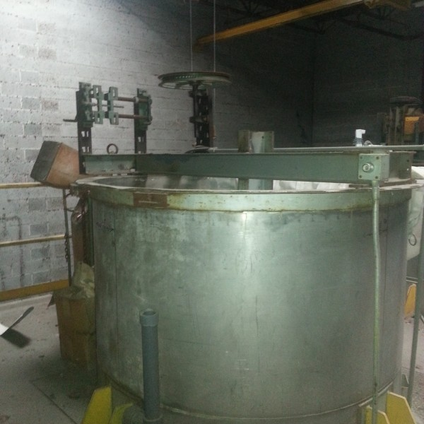 1,250 Gallon Stainless Steel Tank