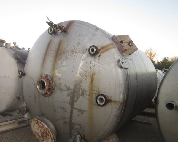 7,500 Gallon 304 Stainless Steel Vertical Tank, 10′ Dia. X 10'9″ Straight Side