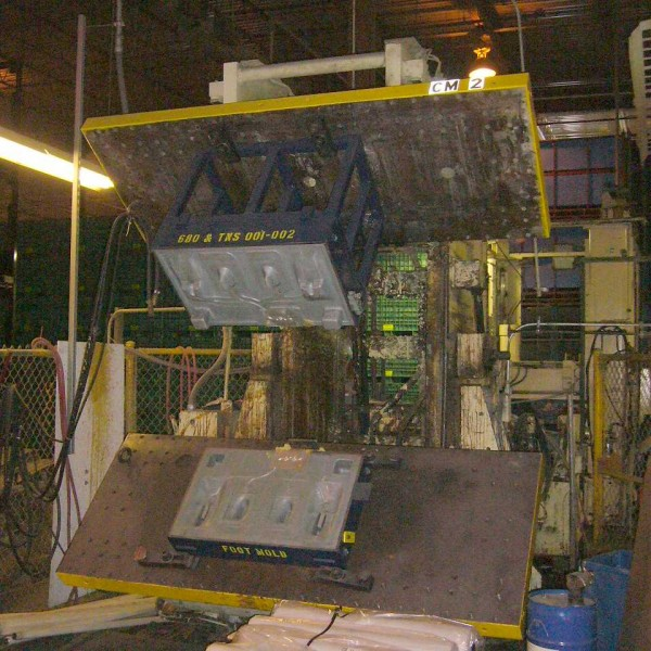 75 Ton Cincinnati Milacron Mdl LRM75 Rim Hydraulic Molding Press
