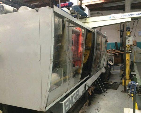 500 Ton 64 Oz. Shot, Engle Injection Molding Machine